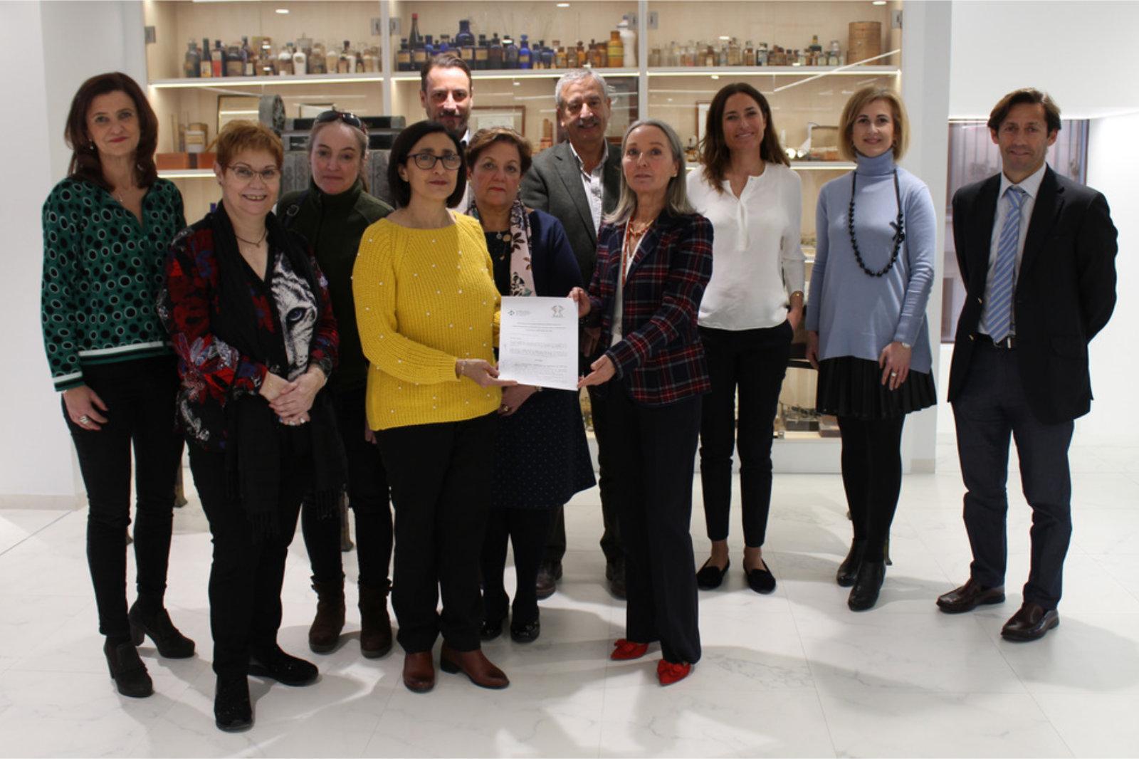 """El COFA y la Asociación Valenciana de Afectados de Lupus """"AVALUS"""" firman un convenio de colaboración"""